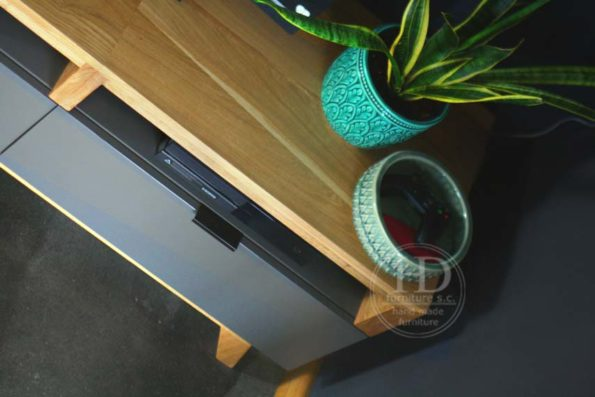 szafka pod telewizorem